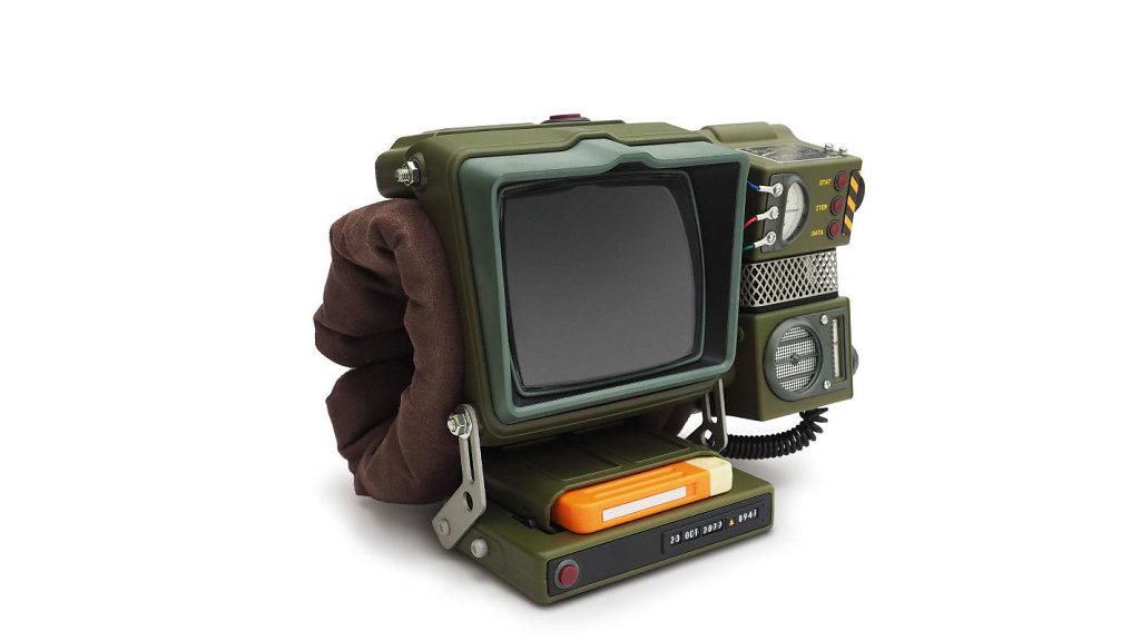 Pip-Boy-built-in-holotape-stand-1422x800px.jpg