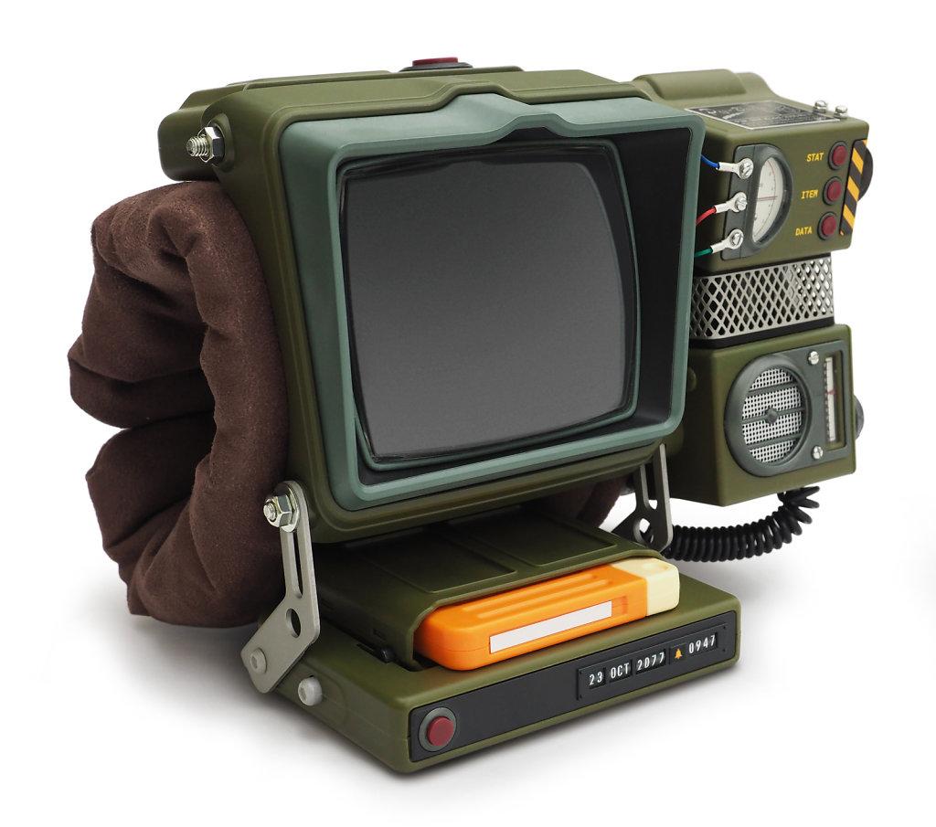 Pip-Boy-built-in-holotape-stand-2500x2210px.jpg