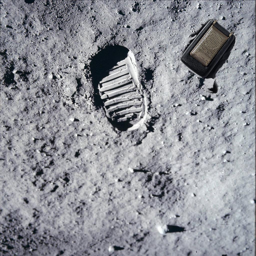 moon-footprint-with-Communicator.jpg
