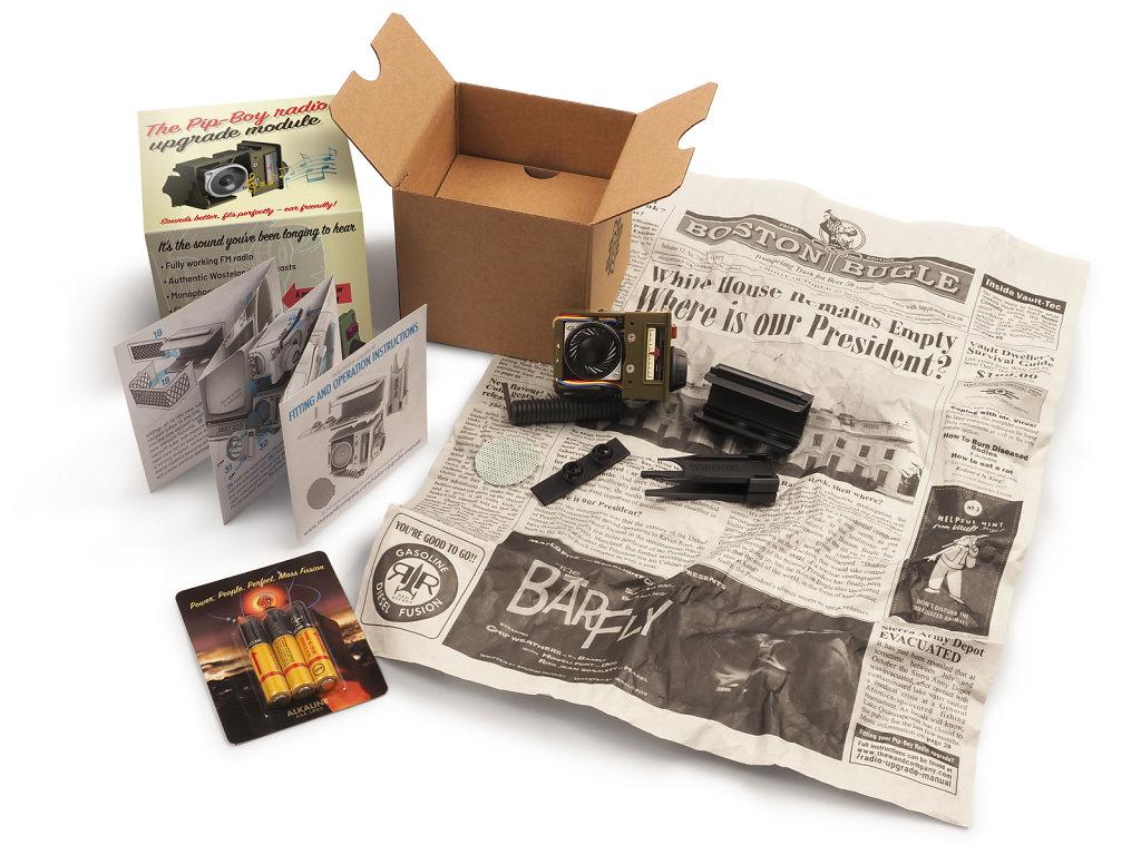 radio-open-box-on-newspaper-4kx3kpx.jpg